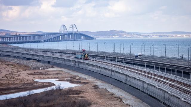 Росавтодор принял железнодорожную часть Крымского моста